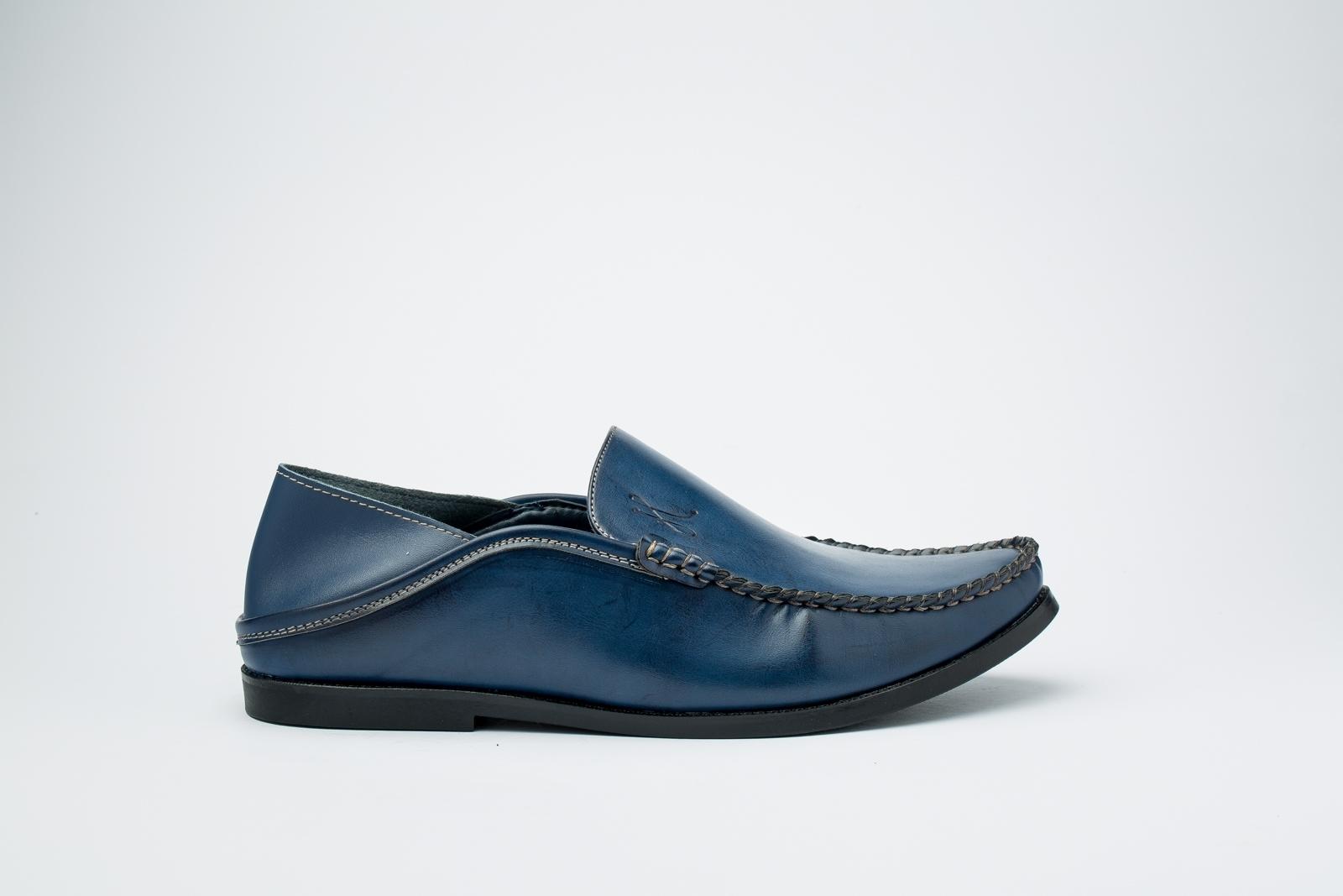 الصورة: حذاء (بلغه) ازرق